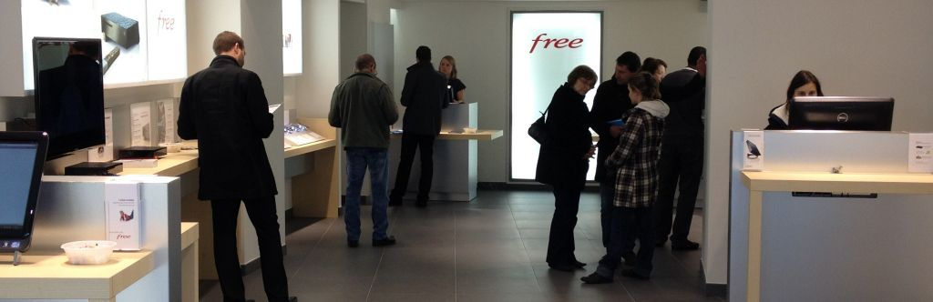 freenews edition nationale  iliad le free center de laval a ouvert ses portes