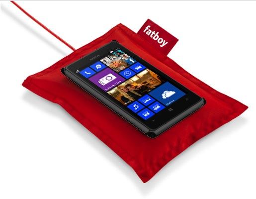 free mobile chargeur fatboy offert pour le lumia 925 baisses de prix fin du cr dit revolving. Black Bedroom Furniture Sets. Home Design Ideas