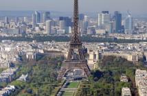 Paris —Tour Eiffel et Champ de Mars