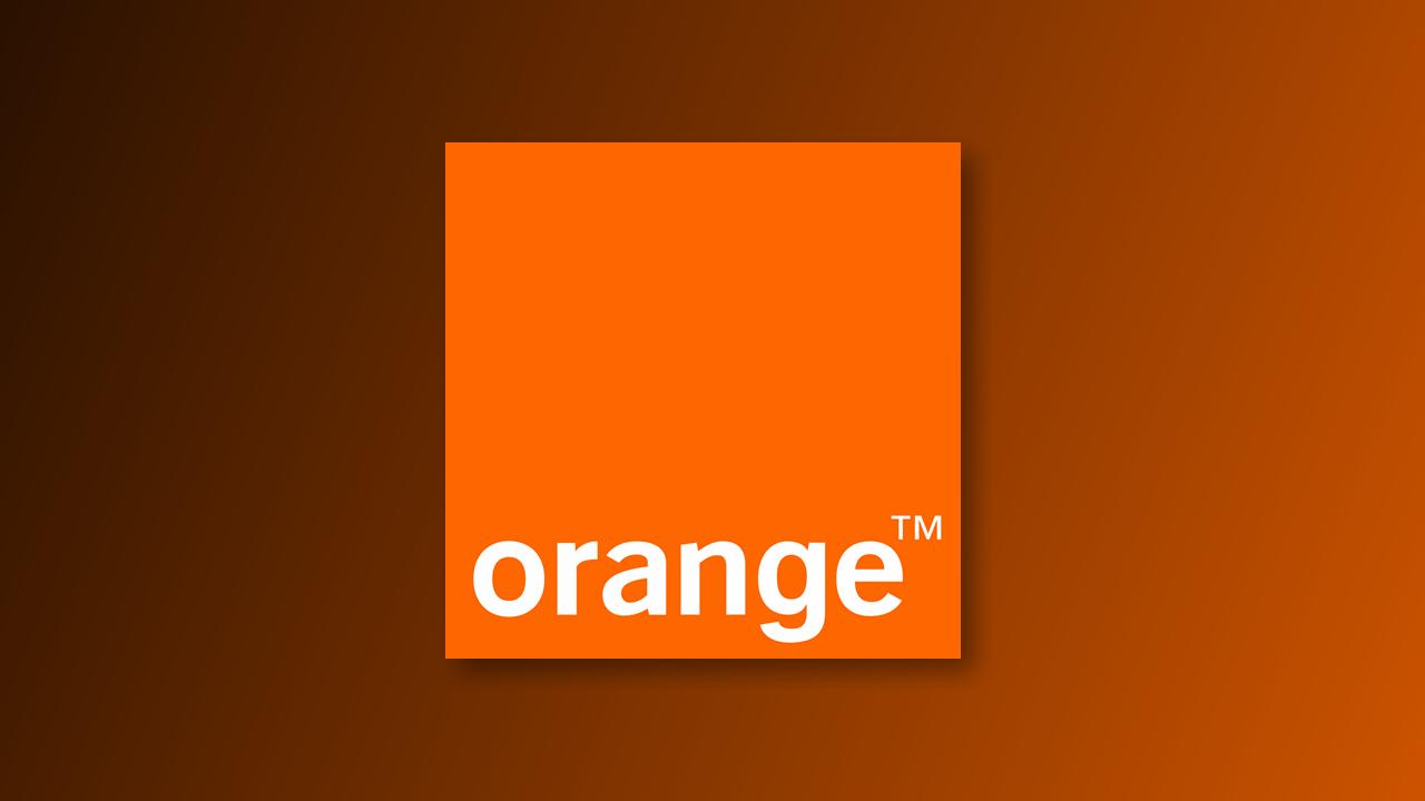 orange les salari s pl biscitent le travail dans l. Black Bedroom Furniture Sets. Home Design Ideas