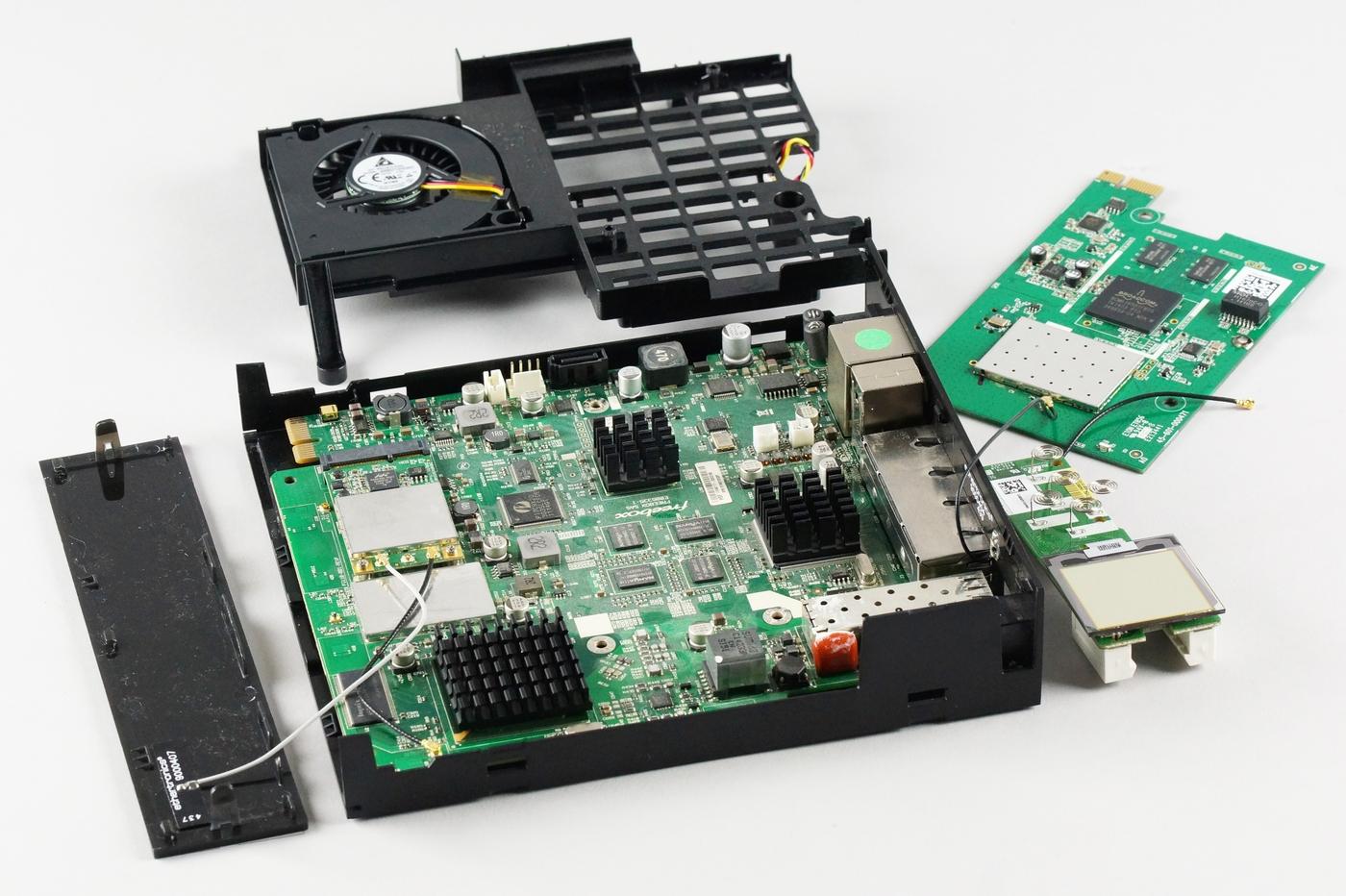 La Freebox Mini 4K, partie Serveur. Photo © Clubic