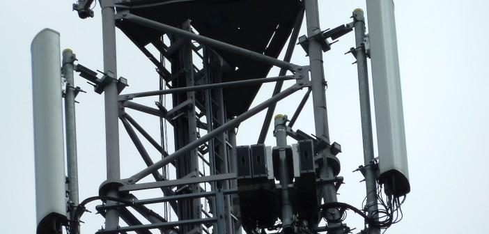 Antenne relais réseau mobile fréquences déploiement