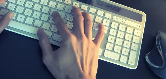 Clavier e-mail message taper envoyer
