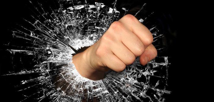 Colère énerver mécontent protester clash coup de gueule