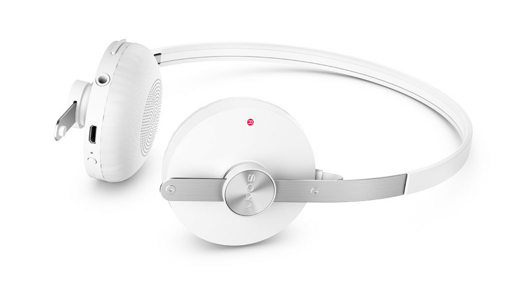 SBH60-Stereo-Bluetooth-Headset-gallery-02-1240x840-90e86fe65492bde29bc59f17bfd00c20