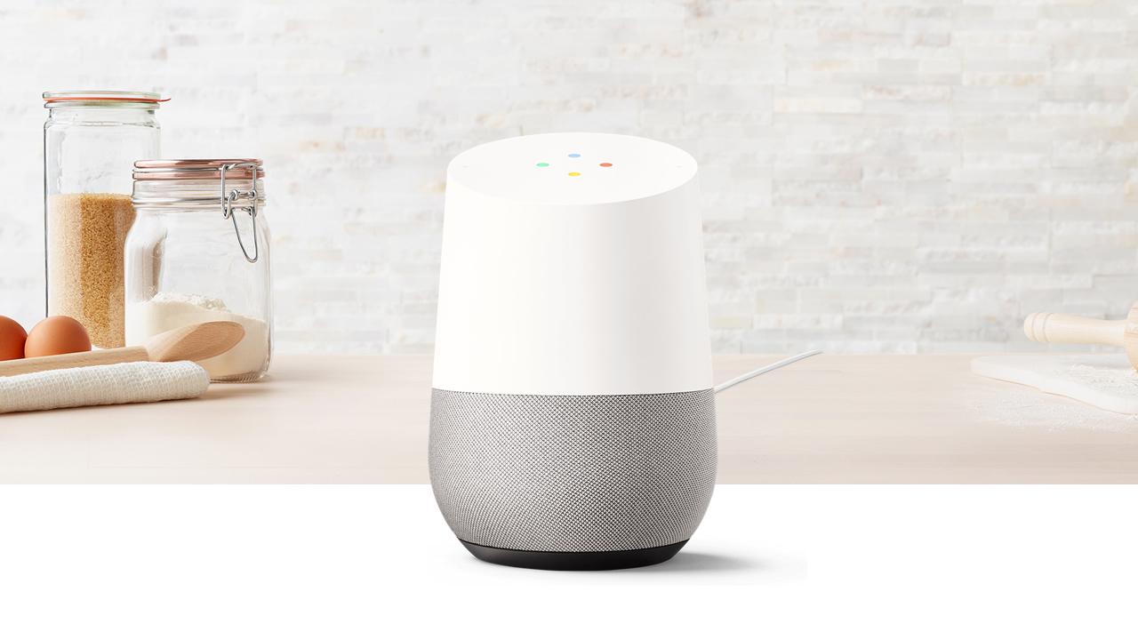 l 39 enceinte connect e google home sera disponible en france le 3 aout. Black Bedroom Furniture Sets. Home Design Ideas