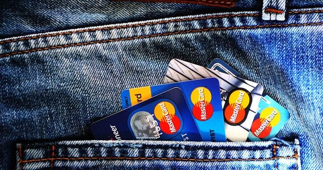 Carte de Débit - Poche de jeans