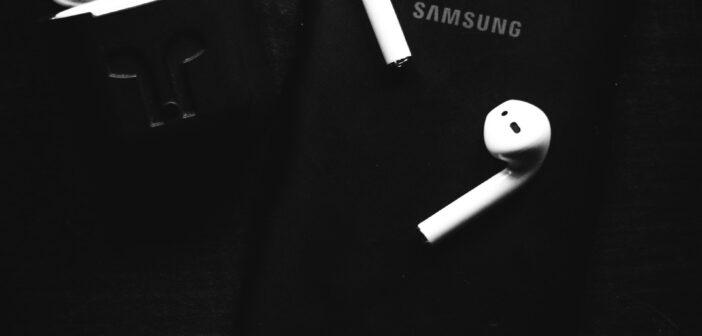 Mobile Samsun avec écouteurs